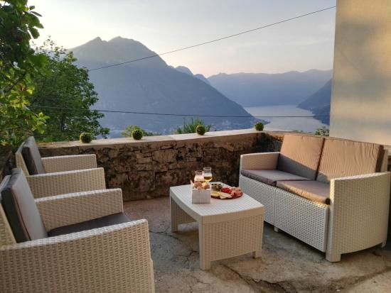 Salotto esterno   picture of essentia guest house, molina di ...