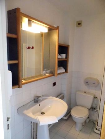 Aurons, Prancis: salle de bain