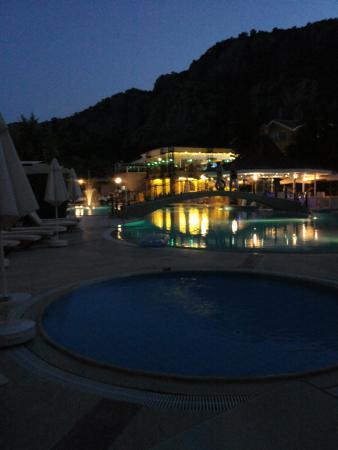 Club Alla Turca: Pool by night