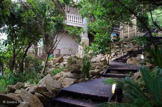 Wilderness, Sudáfrica: Aufgang zur Villa