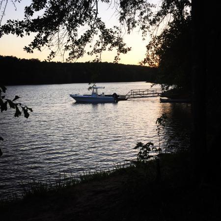 Elberton, Georgien: Camping at Richard B Russell State Park