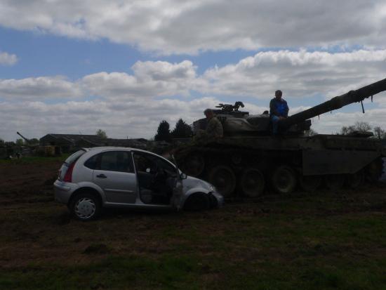 Helmdon, UK: Car crushing