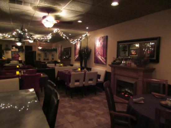 DeFina's Italian Restaurant: Dining Room