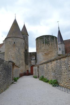 Chateauneuf, Francia: La visite est terminée, le Château est fermé...