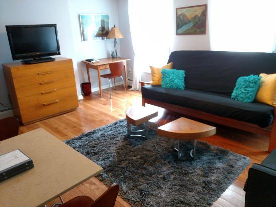 Kingston, NY: Esopus Living Room