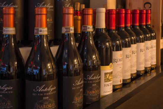 Bottega Restaurant: Extensive wine selection