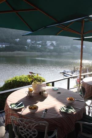 Moontide Guest House: Breakfast with a view!
