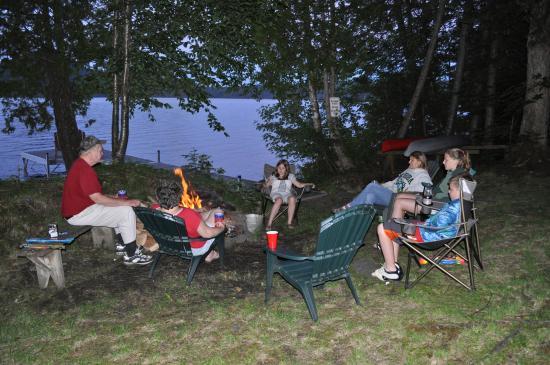 กรีนวิลล์, เมน: Campfire Pit