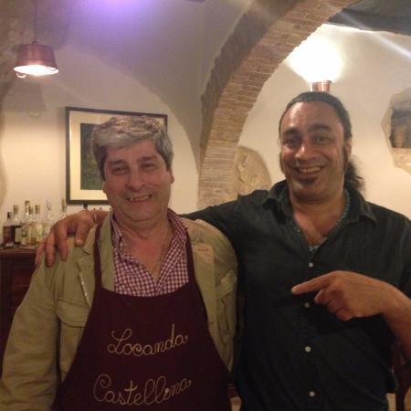 Trevi, Italia: Nonostante le apparenze, il vero Locandiere è quello a destra, Max!