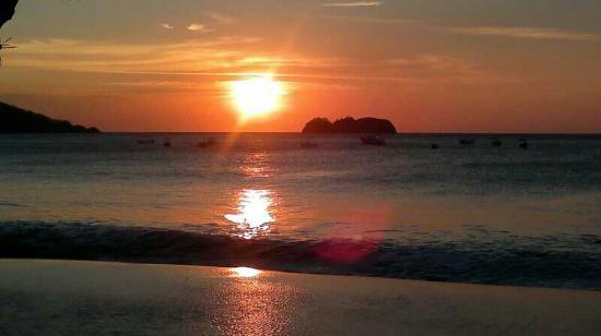 Beach's Massage: altAgUoHlQ6E1JfM519WAkrT9t6fIgZ7wupgisqYr1KTYGh_large.jpg