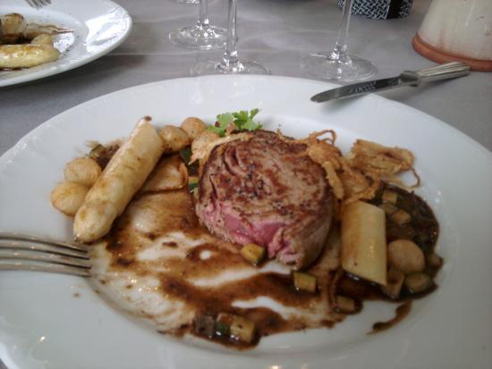Баньер-де-Бигор, Франция: feuilleté de boeuf