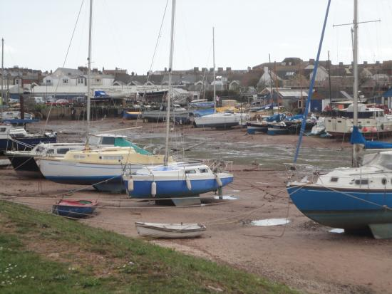 Exe Trail : Boat yard at Exmouth