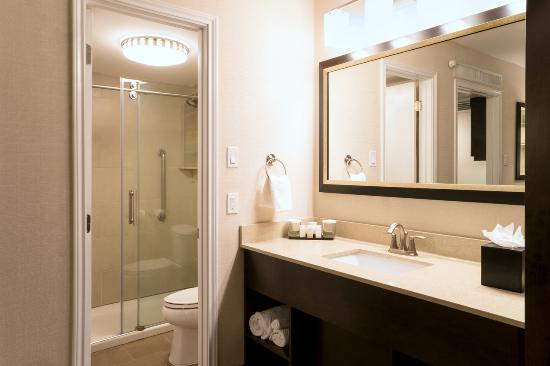 Embassy Suites by HIlton Corpus Christi : King Suite Shower