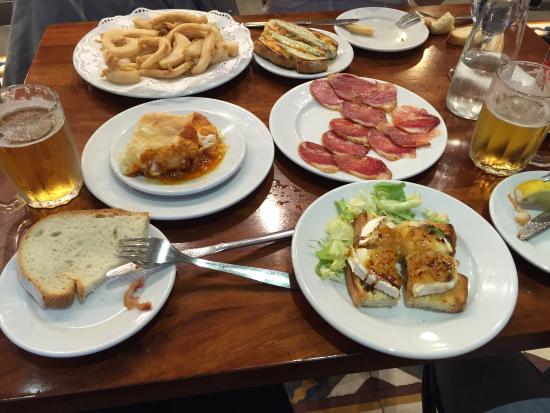 Bodega Dos De Mayo Delicieuses Et Savoureuses Tapas Dans Une Belle Ambiance Sevillanne