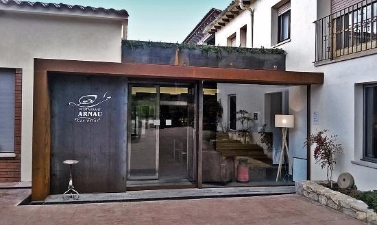 Sant Marti de Llemena, إسبانيا: L'entrada de can Perot