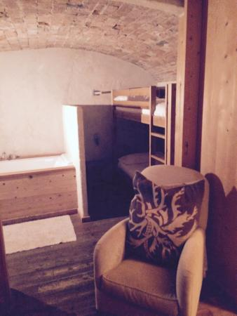 Ле-Гран-Борнан, Франция: Vue, salon, chambre famille