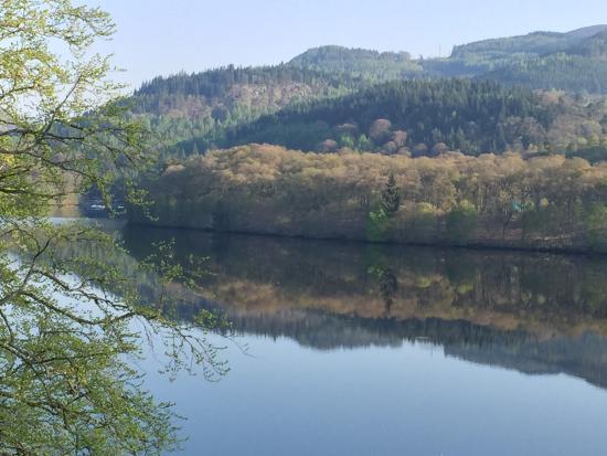 Fonab Castle Hotel Brasserie: vue sur le Loch de Fornab hotel