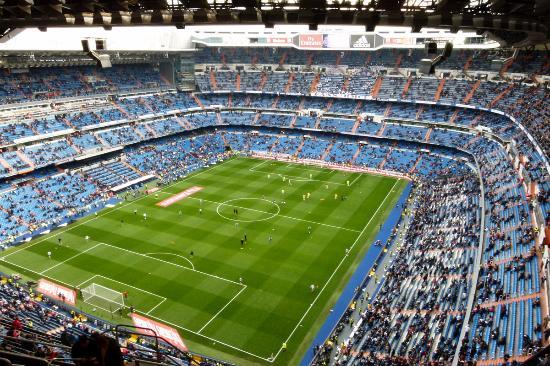 Estadio santiago bernabeu before the game picture of for Estadio bernabeu puerta 0