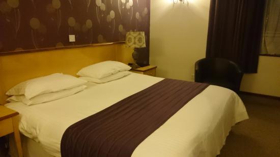 Tormarton, UK: Double Bedroom (View 1)