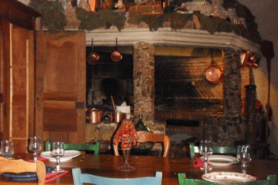 Figari, Francia: cheminée impresionnante