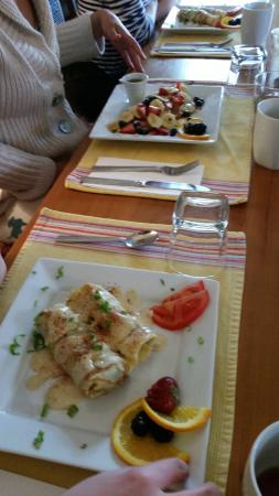 Turtle Island Bed and Breakfast: Our amazing breakfast