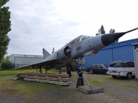 Albert, Francia: Mirage III