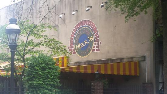Max's Brick Oven