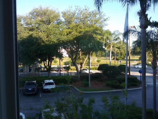 Crown Club Inn Orlando By Exploria Resorts: basicamente a entrada