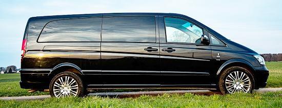 Taxi / Limousine Service