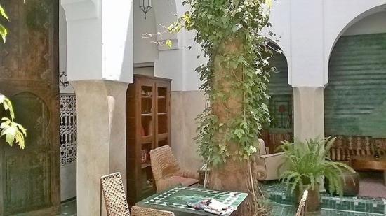 Riad Vert Marrakech: The courtyard and dining area