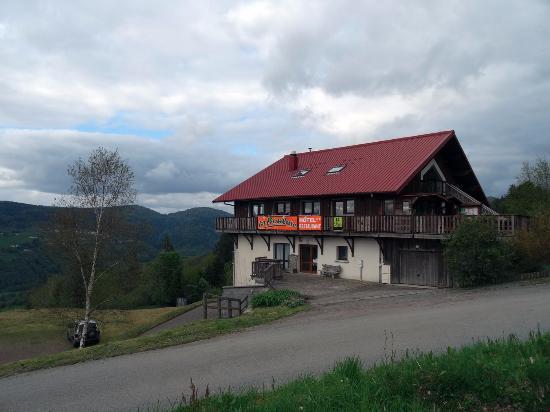 Logis La Bouloie: L'hôtel vu de l'extérieur