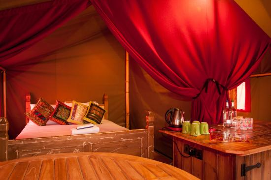 Travel Themed Bedroom For Seasoned Explorers: Picture Of Chessington Explorer