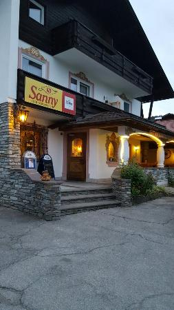 Sanny - Cafe Restaurant