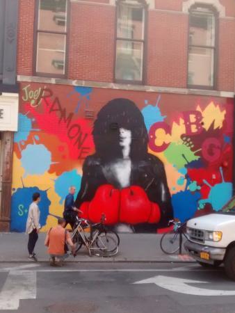 Rock Junket : Joey Ramone Mural
