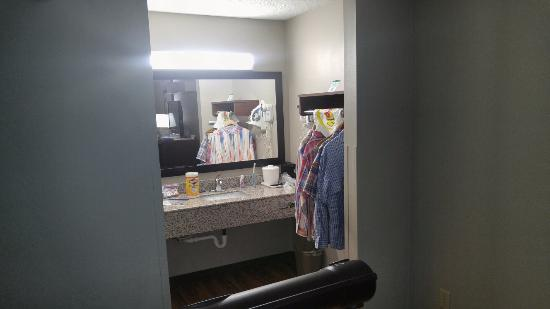 Super 8 Alexander City: Bathroom counter/ room 317