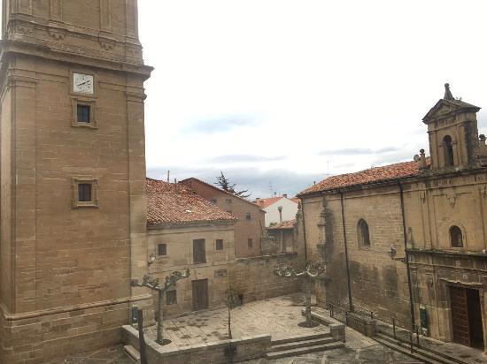 Parador de Santo Domingo de la Calzada: Merece la pena visitar esa pequeña iglesia