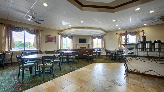Best Western Port Columbus: Breakfast Room