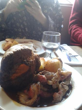 The Fox Inn: Huge soggy Yorkshire pudding with fatty roast beef