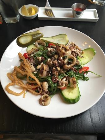 Garrett Park, MD: Calamari salad
