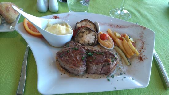 Riom, Fransa: Filet de boeuf sauce moutarde