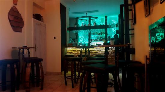 Wine bar Kuka - Podgora