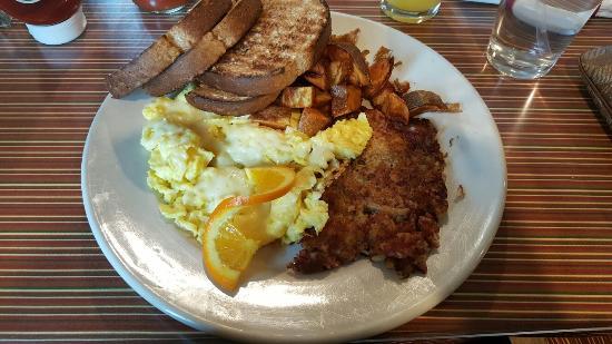 Maxi's Restaurant: 20160516_110919_large.jpg