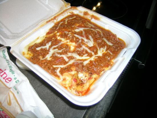 Family Table Itailian American Grill & Pizza: this what was delivered. is this lasagna????