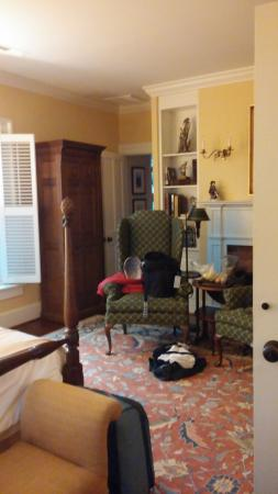 Sperryville, VA: 2 doors opened into this room