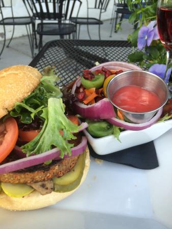 The Waterfront Grille & Pizzeria: The Mushroom 'no Swiss' Veggie Burger