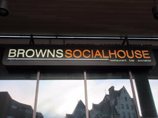 Browns Socialhouse: Signage