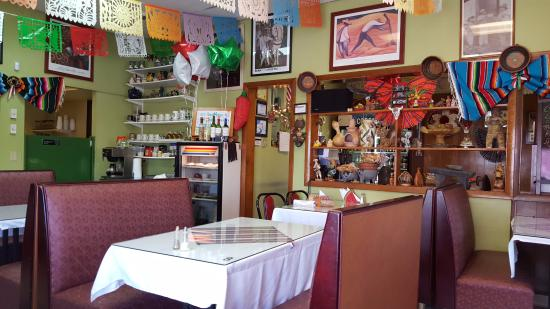 Sarapes Restaurant: Dining Room