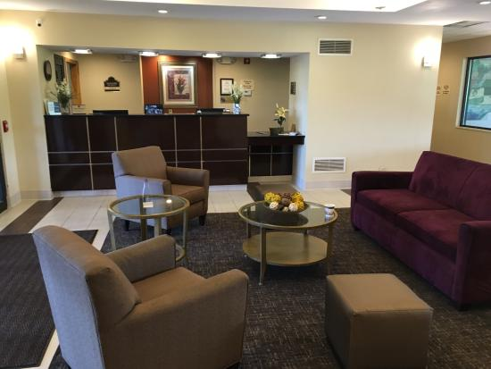BEST WESTERN B. R. Guest: Lobby & Breakfast area