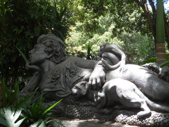 Escultura De La Madremonte Picture Of Jardin Botanico De - Escultura-jardin