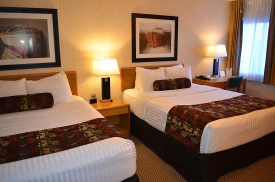 The Inn on Long Lake: Family Suite Bedroom